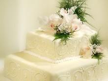 Svatební dort s orchidejí