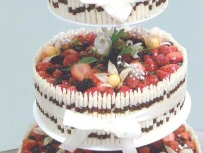 Svatební jogurtový s lesním ovocem